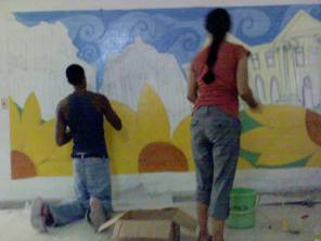 Proceso de realización de la pintura mural (Josué Bernal y Yaysis Ojeda)