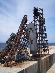 Museo Man, escultura sobre el dique, años 90
