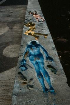 Man, silueta sobre el dique, 1986