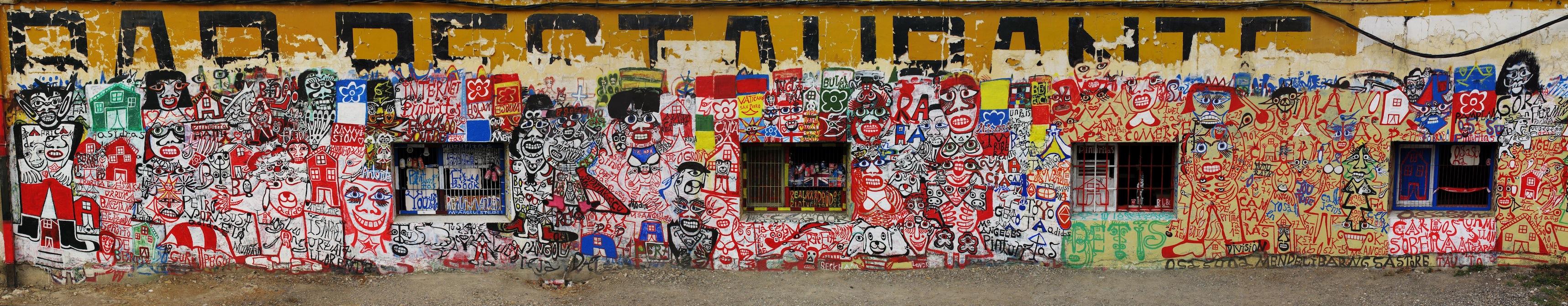 La Pinturitas, lado izquierdo fachada noreste del edificio intervenido, 2012, Foto: Hervé Couton
